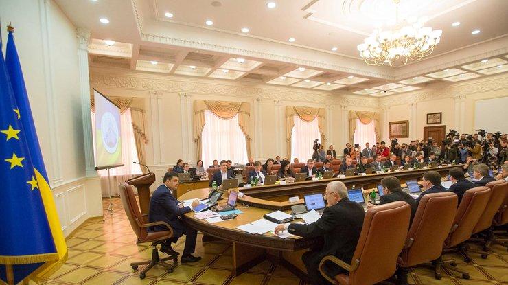 Кабмин предлагает Раде ввести уголовную ответственность запреступления против человечности