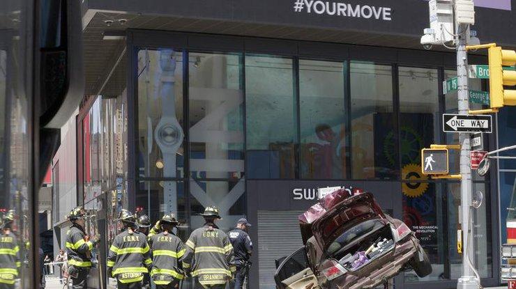Власти уточнили число пострадавших при наезде автомобиля напешеходов вНью-Йорке