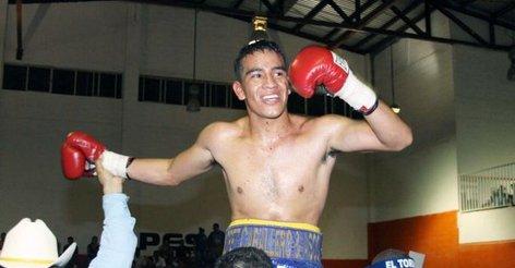 Бывший чемпион мира по боксу погиб в автокатастрофе