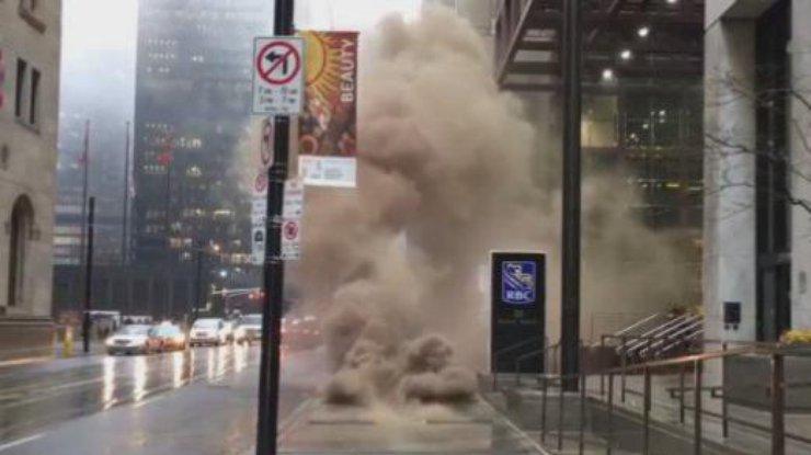 В экономическом районе Торонто перекрыты улицы из-за пожара