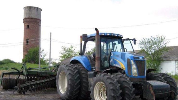 Вовремя выполнения с/х работ наДонетчине подорвался трактор