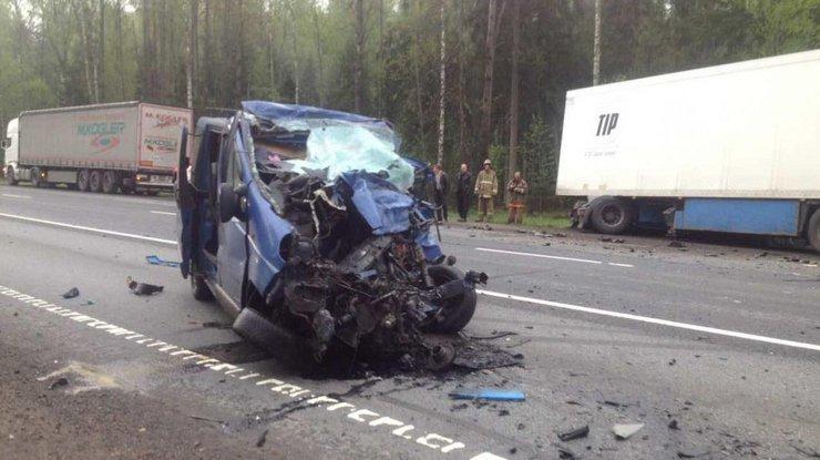 ВРоссии вмасштабном ДТП погибло шесть украинцев