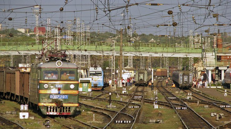 НаТроицу «Укрзализныця» назначила 7 дополнительных поездов