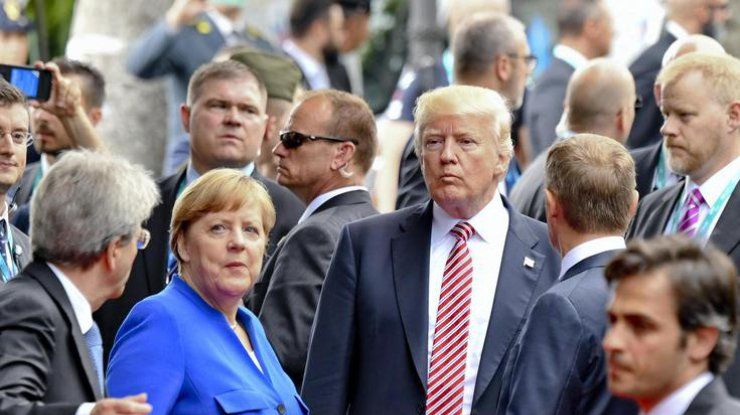 Меркель иТрамп обсудили проблему Украины