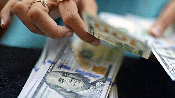 Люди сдолгами зауслуги ЖКХ могут оформить субсидию— Розенко