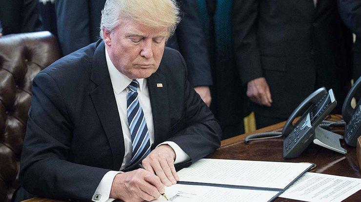 Трамп подписал федеральный бюджет США до30сентября