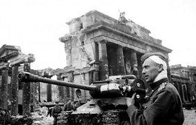 День победы: 9 мая 1945 года в фотографиях