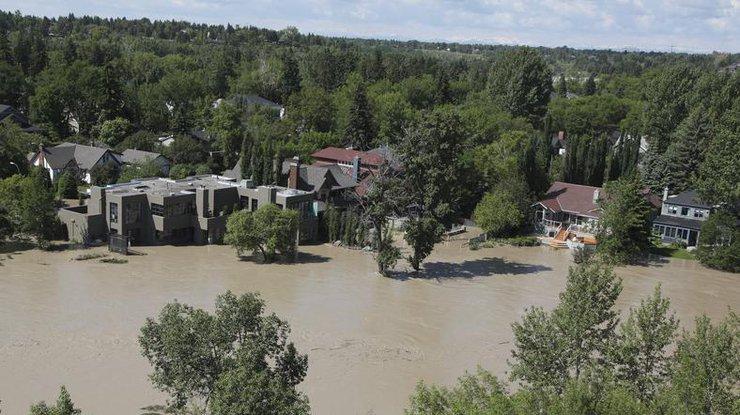 ВКвебеке из-за разлива рек неработают школы изакрыты автодороги