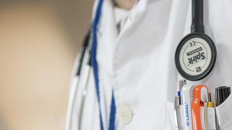 Главный врач Сергей Рыженко: ВМечникова доставлена беременная девушка-волонтер