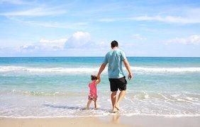 День отца: 5 смешных видео о том, что папой быть нелегко