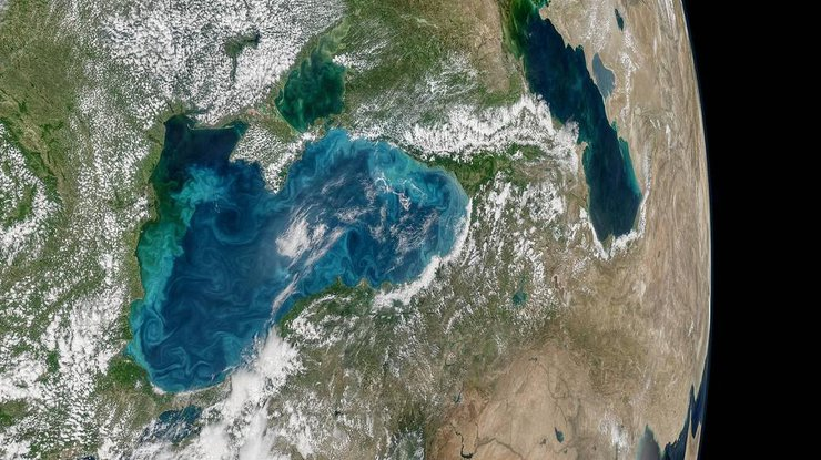 Черное море резко изменило цвет,— НАСА