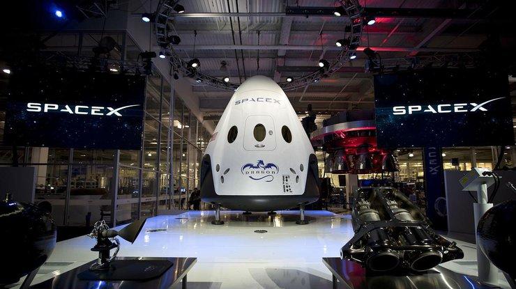 SpaceX впервый раз вывела наорбиту уже использовавшуюся ракету спродовольствием для МКС
