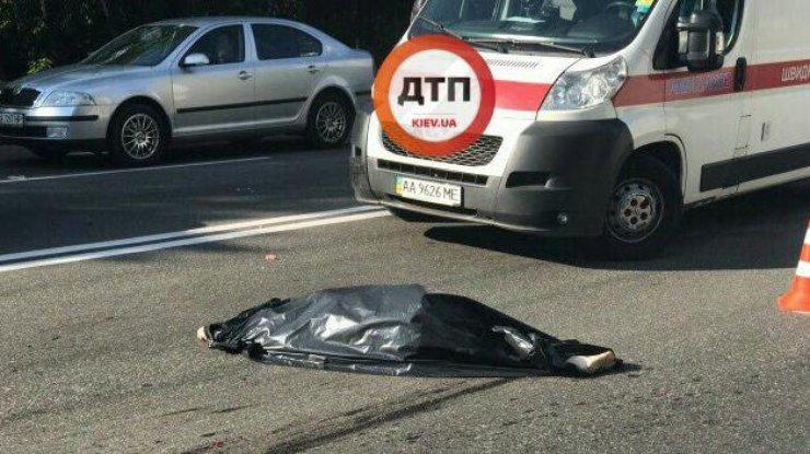 Пьяная женщина с сыном насмерть сбила пенсионерку вКиеве ипротаранила Лексус