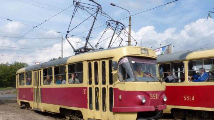 ВКиеве временно прекращают работу три трамвайных маршрута