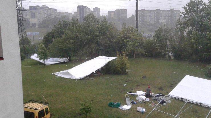 Ужасающая буря всколыхнула Львов: фото ивидео последствий