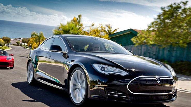 Bloomberg сказал опредварительном контракте Tesla озаводе в КНР