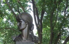 Автор монумента - столичный скульптор Александр Стельмашенко.
