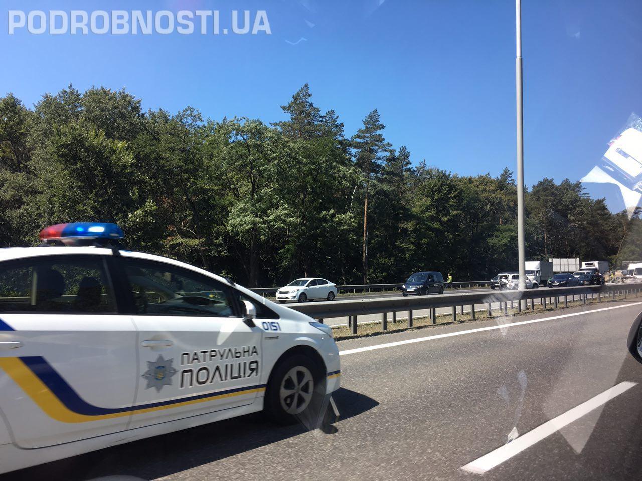 Бориспольская трасса остановилась из-за жуткой аварии (фото) | podrobnosti.ua