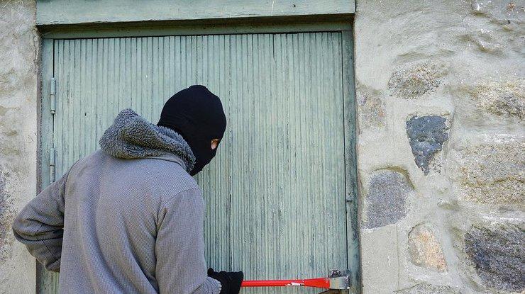 Вор занимается сэксом со жертвой фото 586-955