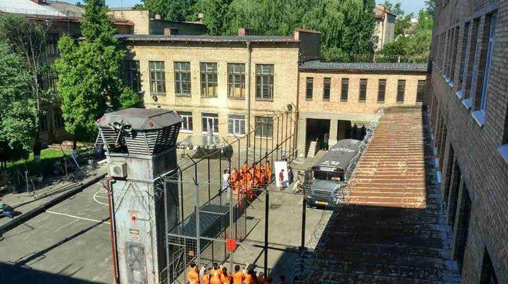 Киевскую школу вГолосеево превратили втюремное заведение