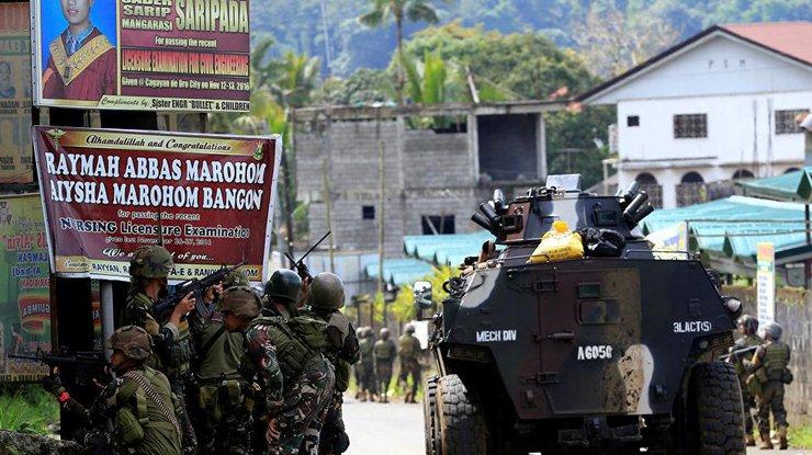 Практически  400 тыс.  человек покинули свои дома вМарави из-за боевиков