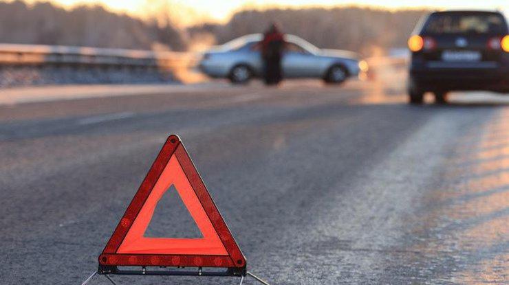 НаЛьвовщине маршрутка въехала вдерево, пострадали 10 человек
