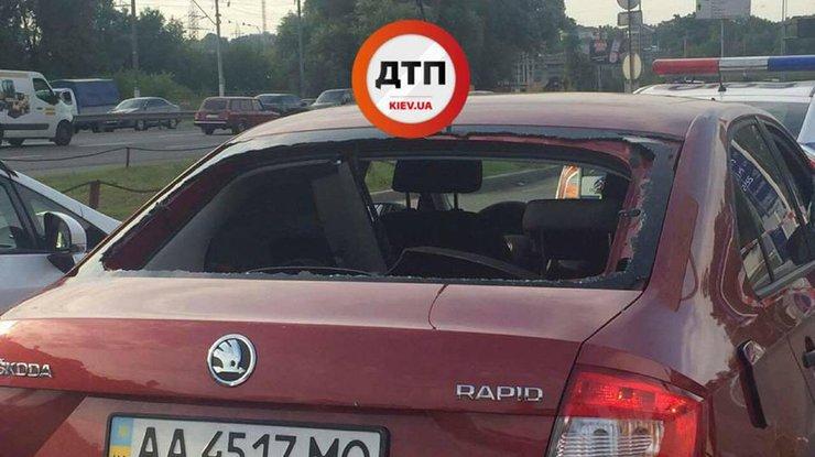 ВКиеве обстреляли авто: обнародованы детали ифото