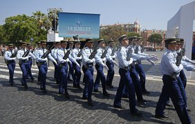 Теракт в Ницце: в центре города проходит церемония памяти жертв (фото)