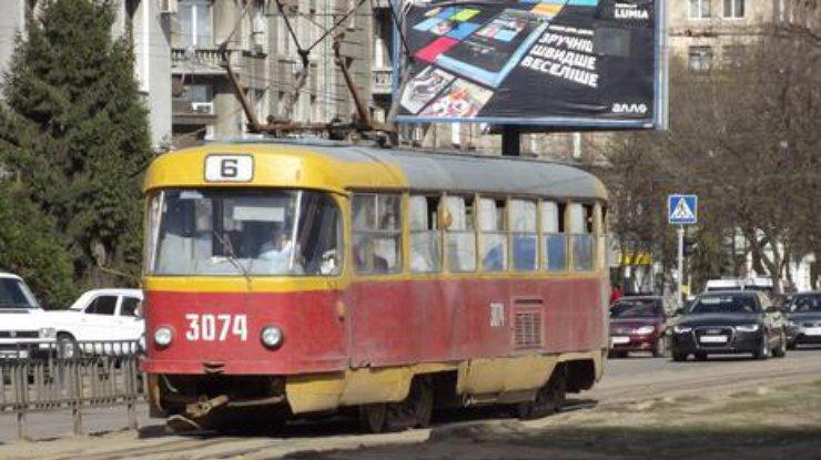 ВХарькове мужчину переехал трамвай
