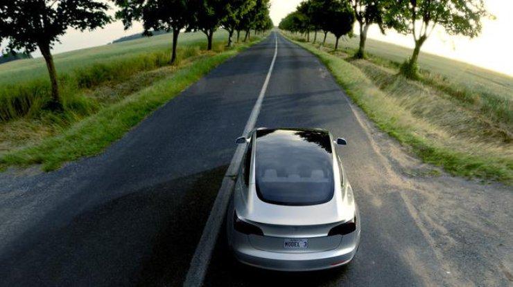 ВСША произошла авария беспилотного автомобиля Tesla, есть пострадавшие