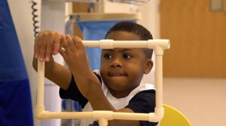 ВСША ребенку удачно пересадили руки