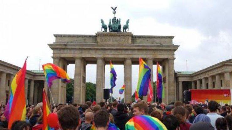 Правые вФРГ готовы оспорить закон олегализации однополых браков