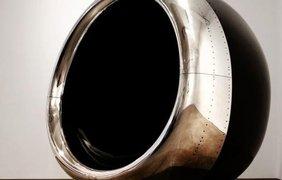 Турбину Boeing 737 превратили в комфортабельное кресло. Фото: Boredpanda