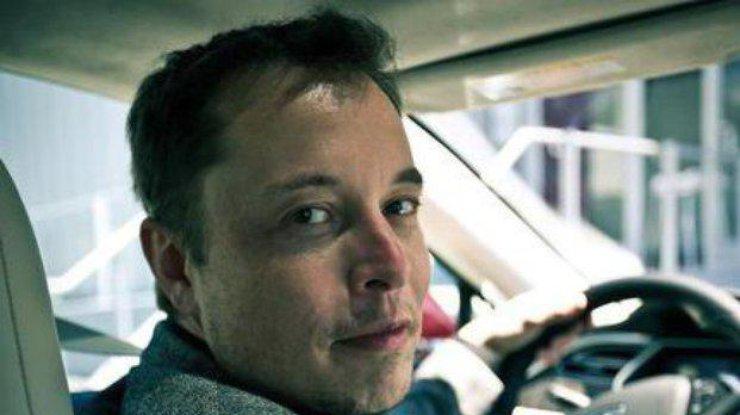 Руководитель Tesla продемонстрировал навидео работу лифта вподземном тоннеле