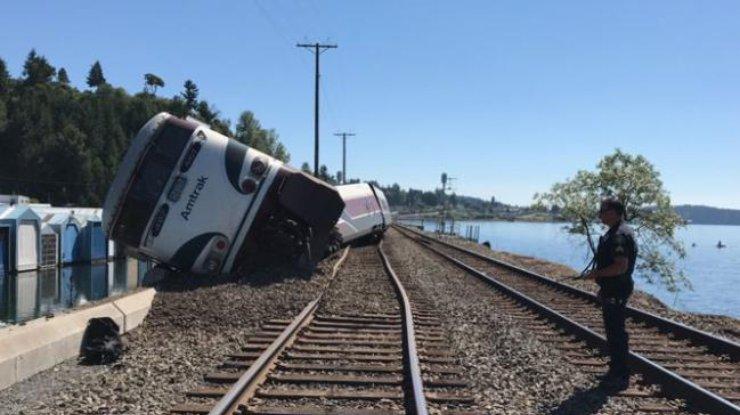 Вамериканском штате Вашингтон сошел срельсов поезд, есть пострадавшие