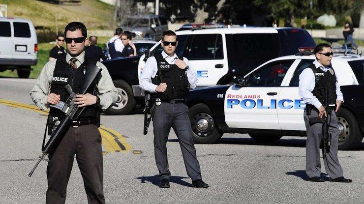 Автомобиль въехал втолпу вЛос-Анджелесе: кадры сместаЧП