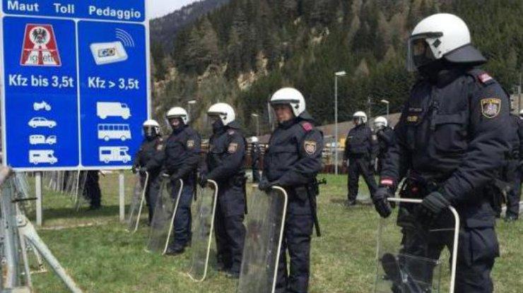 Австрийская Республика направила солдат награницу сИталией из-за мигрантов