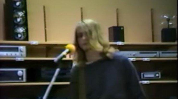 Размещено редкое видео выступления Nirvana вмагазине электроники в 1988-ом