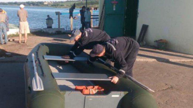 ВОдесской области вовремя утренней прогулки налодке утонули три девушки