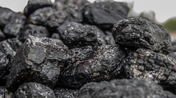 Украина в 2017-ом году половину импортного угля купила в РФ