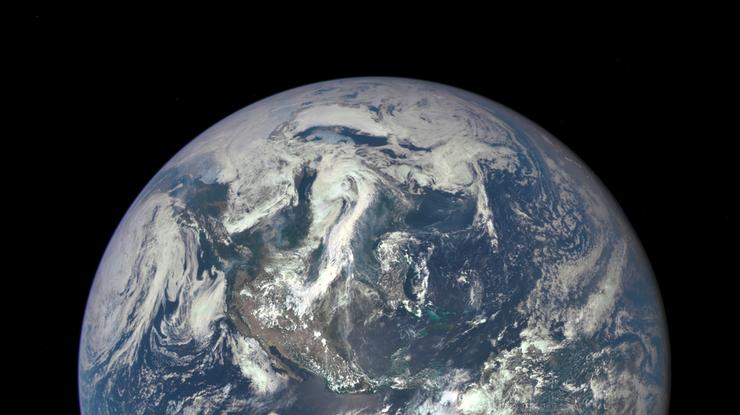 Поздние снимки Земли не менее очаровательны