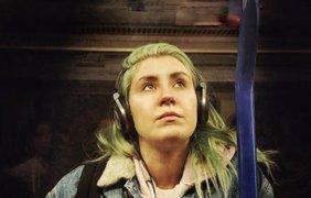 Уставшие пассажиры метро
