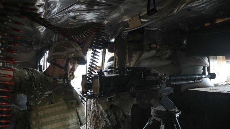 Засутки наДонбассе боевики обстреляли Марьинку, двое военных ранены