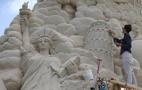 В Китае построили самый немаленький на мире песчанистый замок
