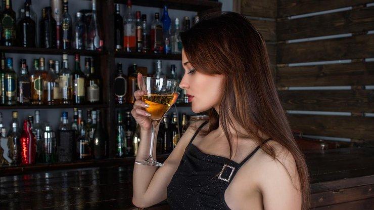Ученые пояснили , почему ценное  вино вкуснее, авысогласны? 4