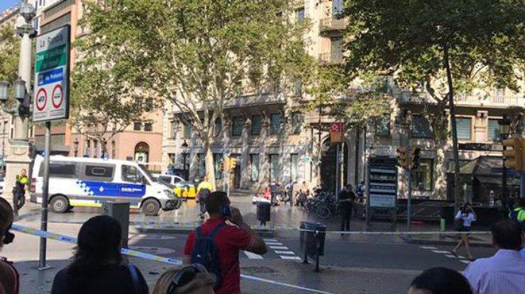 Барселона сыграет сБетисом вфутболках впамять ожертвах теракта