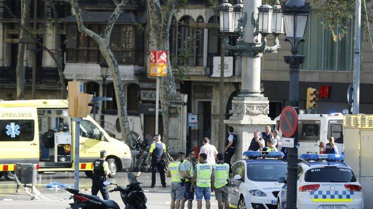 Испанские судмедэксперты опознали девять из14 погибших в итоге терактов вгосударстве