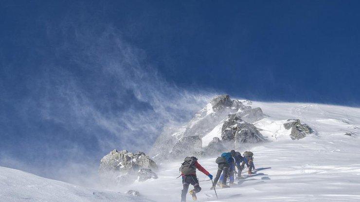 Связка из5 альпинистов разбилась вАльпах— Крутой подъем