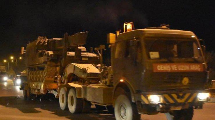 США продолжают вооружать курдских «террористов» Сирии— Anadolu