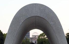 В августе 1945 года американские пилоты сбросили атомные бомбы на японские города